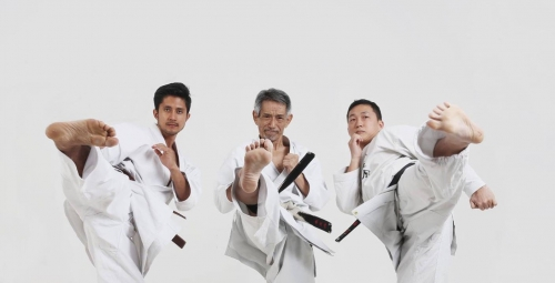 空手道同好会(Karatedo Group)